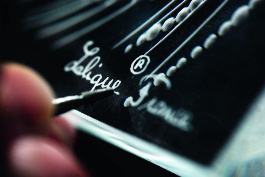 18. Signature Lalique