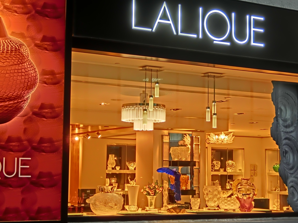 HK_Central_都爹利街_Duddell_Street_Lalique_collection_shop_window_April_2013