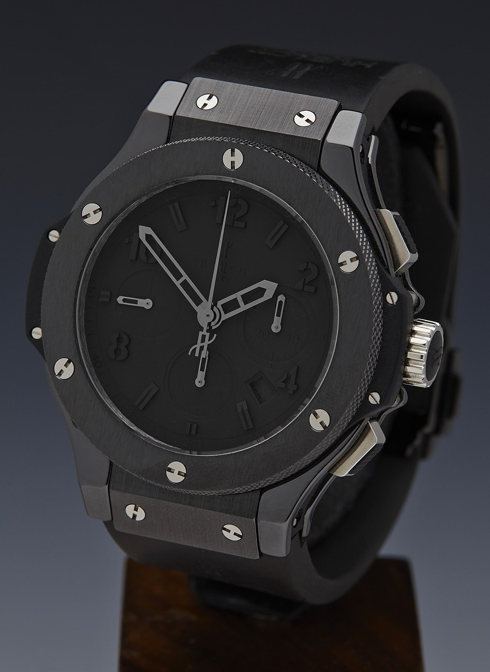 002_hublot-big-bang-all-black-chronograph-44mm-xl-limited-edition-301cx134rx1
