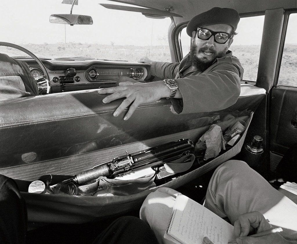 fidel-castro-giving-an-interview-in-his-car_1964