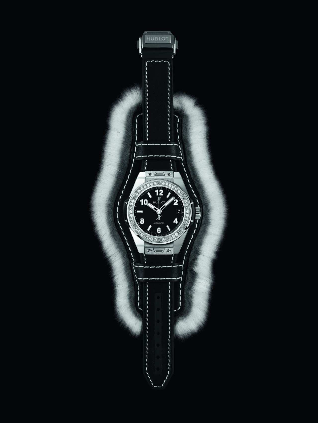 hublot_big-bang-one-clic-cuddly-cuff-grey3