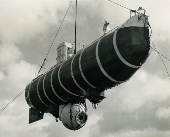 2012-012-001-trieste-bathyscaphe1