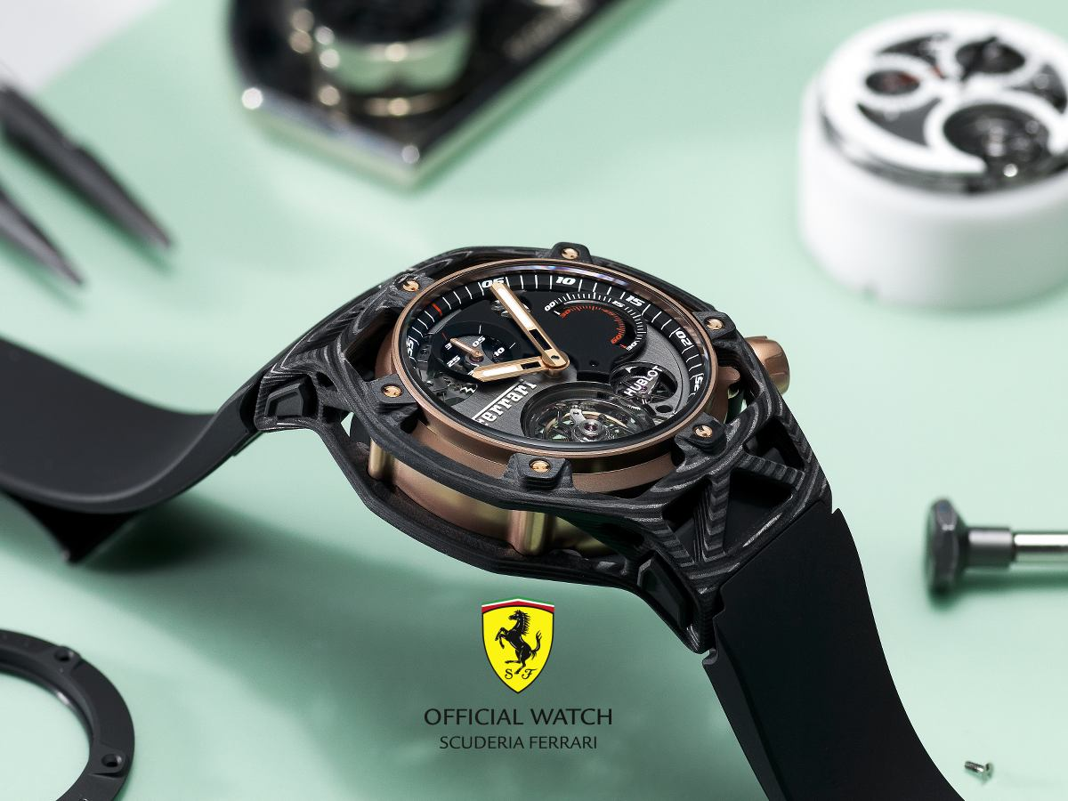 hublot-ferrari-techframe-70-carbon-peek-king-gold-unique[1]