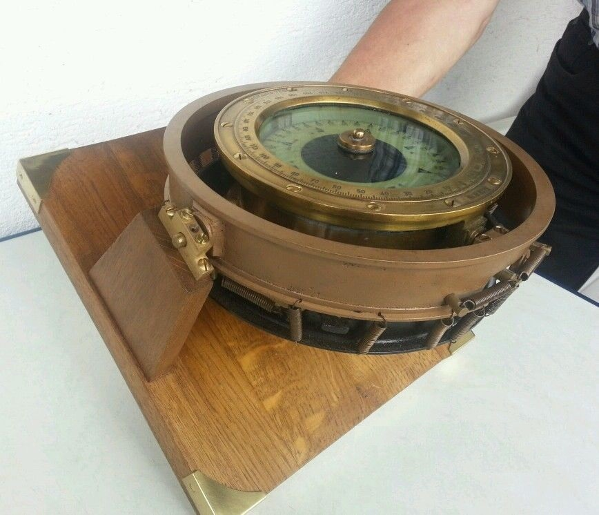 marine_schiffs_kompass_vollkardanischer_aufhngung_schiffskompass_9_lgw1