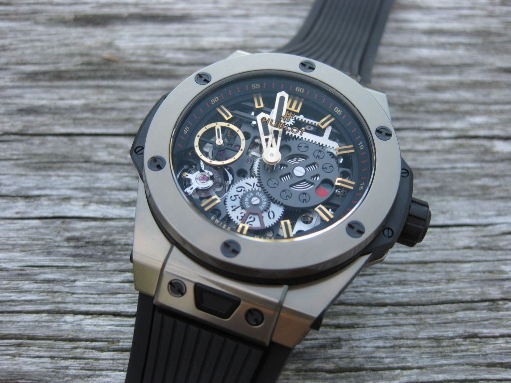 Hublot Meca 10 Magic Gold – into the details